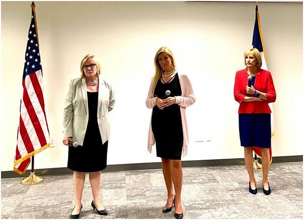 三位美國聯邦國會議員 成⽴鐵娘⼦聯盟⼤會